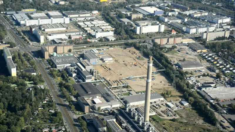 Construction site of power plants and exhaust towers of thermal power station - Kraft-Waerme-Kopplungsanlage on Rhinstrasse in the district Marzahn in Berlin, Germany